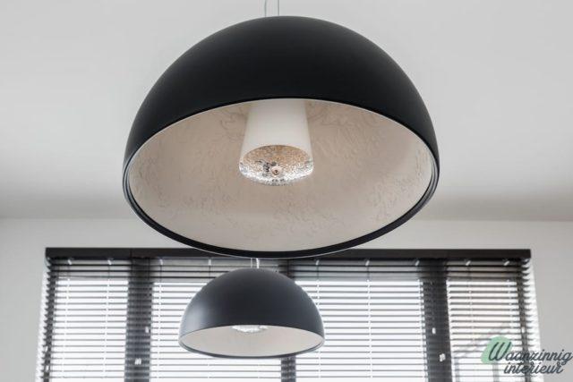 Grote zwarte koepellampen
